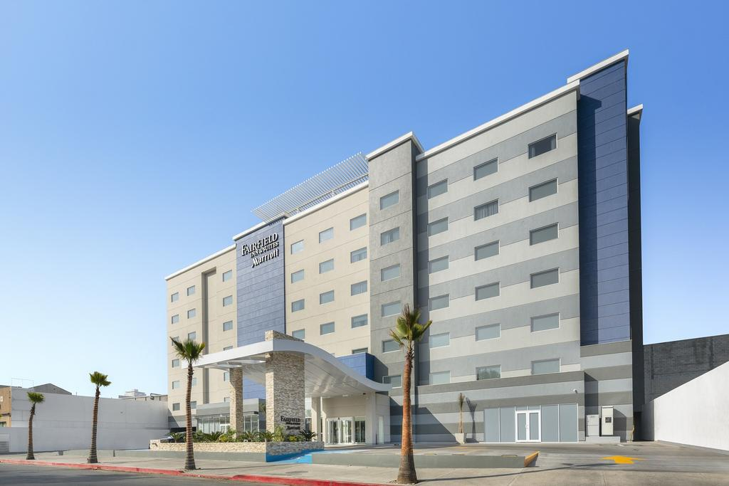 Fairfield Inn & Suites lateral