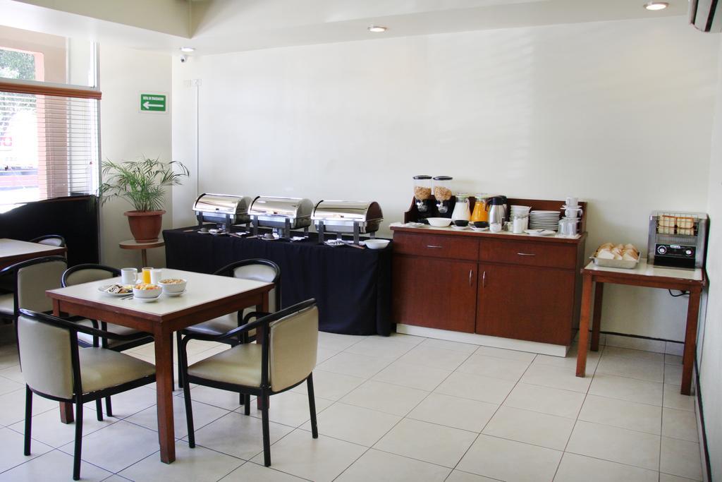 Hotel Astor Tijuana cafeteria