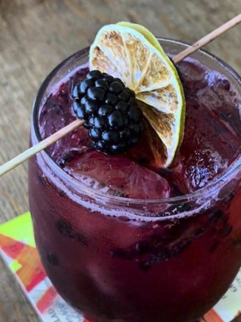 Gin Rose, Verde y Crema, Tijuana