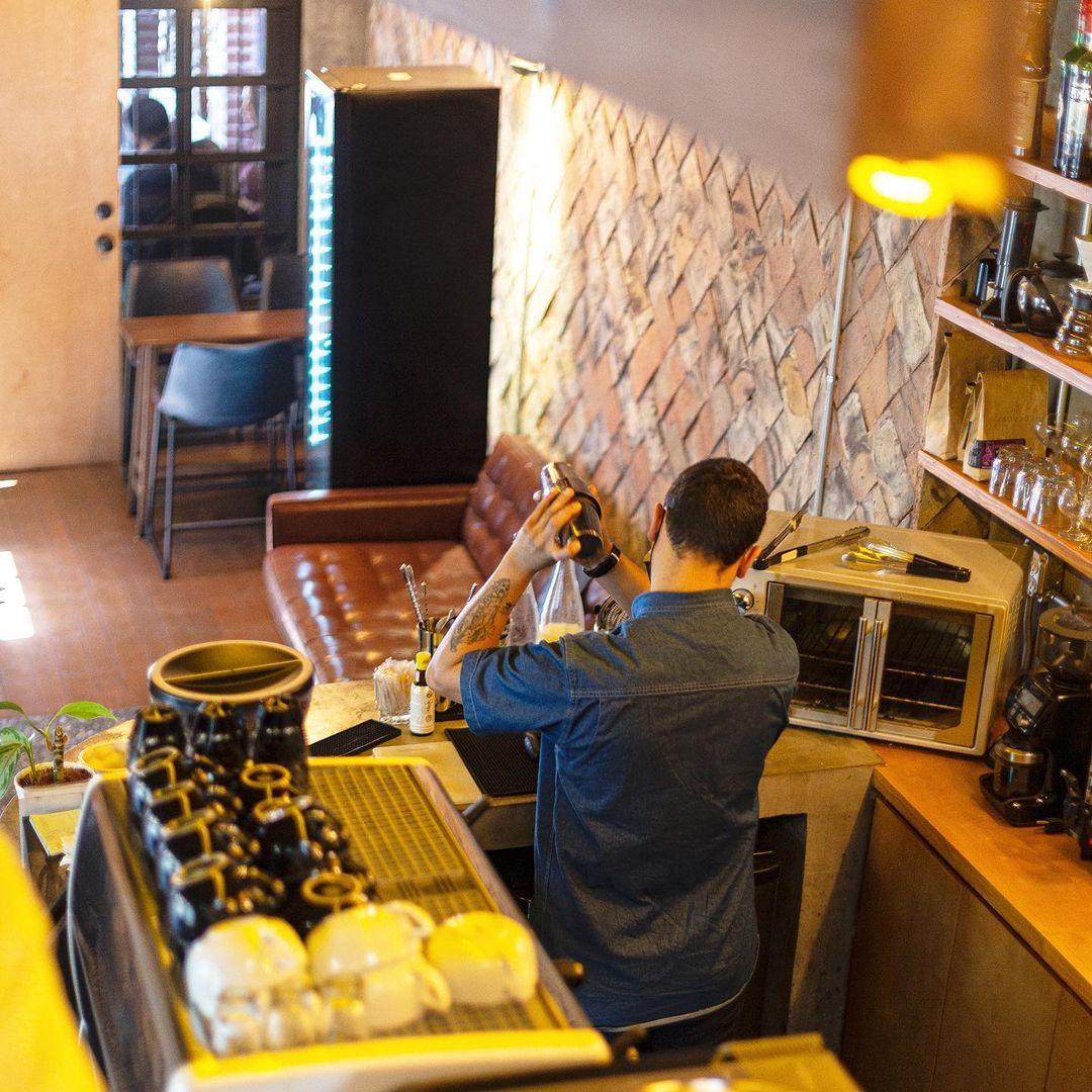 Omertá Café Society, Tijuana