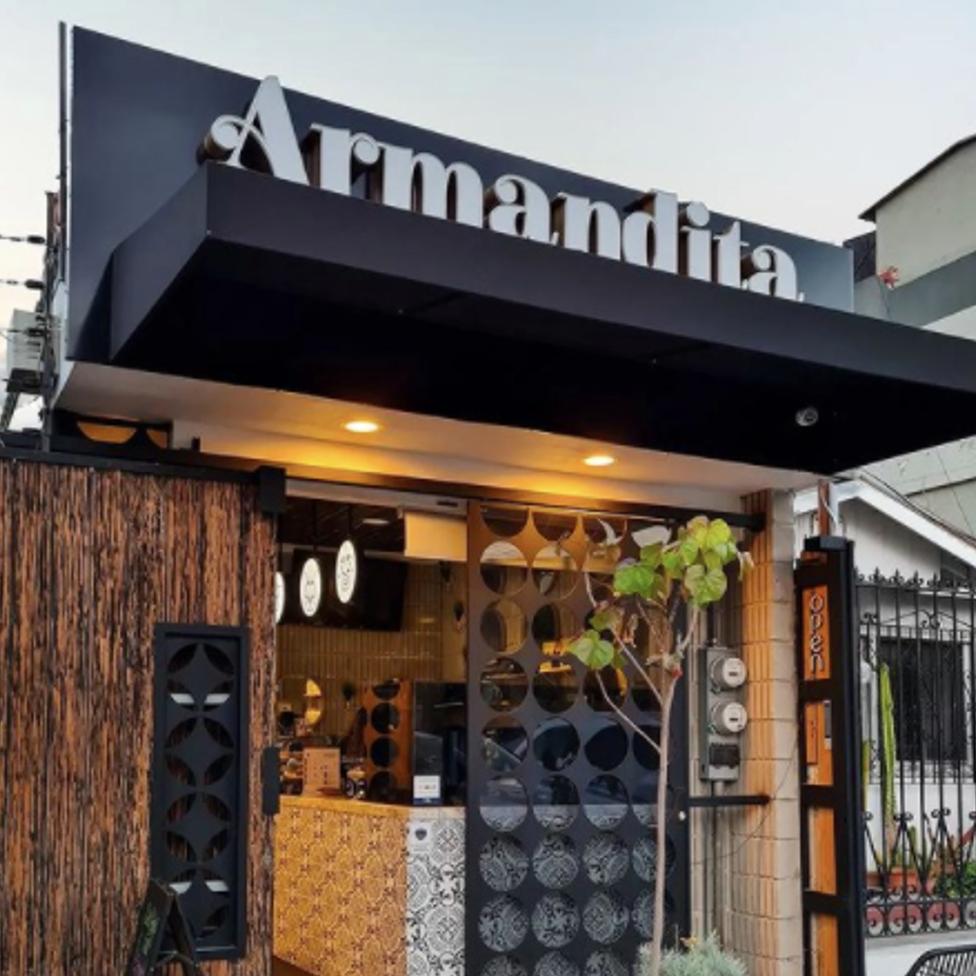 Armandita 01