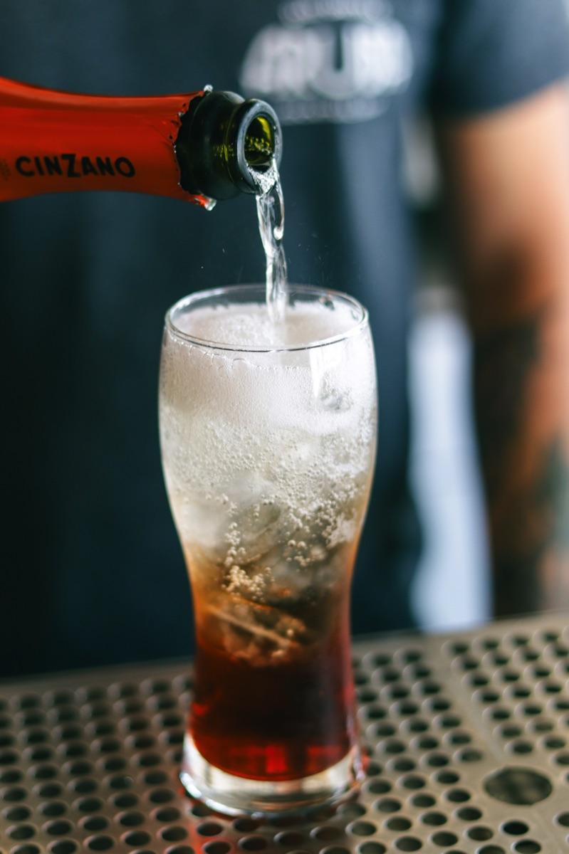 Aruba Day Drinking Bar 01